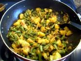 Green Beans With Potatoes / Aloo Phalli / Green Beans Indian