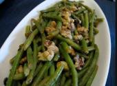 Green Beans With Walnut Sauce