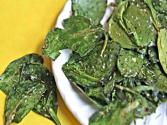Italian Herb Baked Spinach Chips - Healthy Snack Idea!