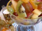 How To Make A Delicious Fruit Salad For Spring Party