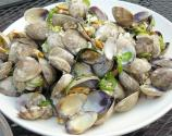 How To Eat Clams