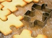 How To Use Cookie-cutters In Designing Cakes?