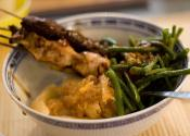 Beef Satay Sticks With Peanut Sauce