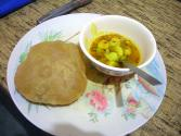 How To Eat Aloo-poori?