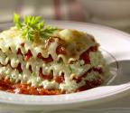 How To Add Sauce & Wine To Lasagna