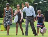 Obama's Million-dollar Vacation Raises Hecklers