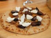 How To Make Delicious Figs On Flatbread With Caramelized Onions