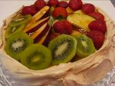 Betty&#039;s Meringue Shell With Fruit Topping