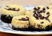 Mind-blowing Mini Double Chocolate Chip Cheesecakes
