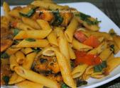 Pasta In Spicy Chicken Masala