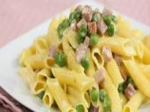 Pasta With Ham, Peas And Cream - Quick 