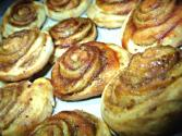 Crunchy Vanilla Pinwheels Glazed With Apple Jam