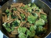 Spicy Broccoli With Golden Garlic