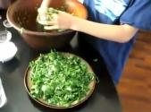 Raw Vegan Massaged Spinach Salad