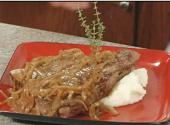 Ale Bronzed Steak With Caramelized Onions