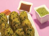 Stuffed Methi Paneer Pakoda By Tarla Dalal