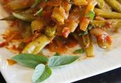 Tomatoey Garlicky Green Beans
