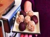 Perfect Holiday Dessert: Truffle Balls