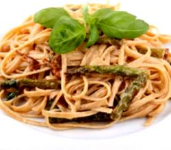 Whole Wheat Pasta with Asparagus Sauce