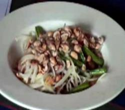Healthy Green Papaya Salad
