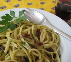 Linguine with Sun-Dried Tomatoes and Anchovies