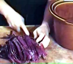 How to Make Purple Sweet Sauerkraut