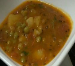 Aaloo Tamatar Sabzi or Aaloo Mutter Sabzi or Potato Peas Curry