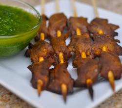 Anticuchos de Corazon Con Salsa de Perejil / Peruvian Grilled Beef Heart with Parsley Sauce
