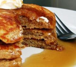 Apple Cinnamon Oatmeal Pancakes