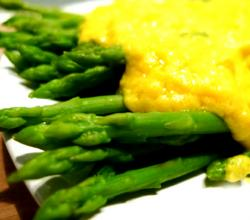 Asparagus with Coriander Hollandaise Sauce