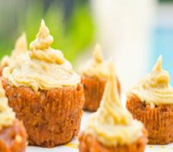 FullyRaw Carrot Cupcakes With Orange Vanilla Cream Frosting