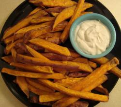 Betty's Baked Sweet Potato Fries and Dipping Sauce