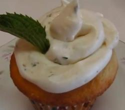 Betty's Mint Julep Buttercream Frosting