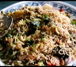 "How To Make ""Bhel"" A Delicacy From Mumbai, India"