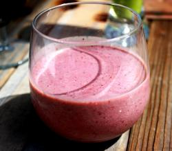 Blueberry and Flaxseed Smoothie