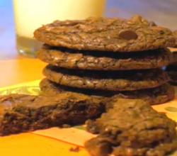 Chocolate Fudge Cookies: Cookie Jar