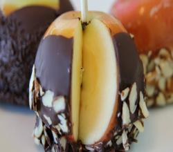 Caramel Chocolate Apples Homemade