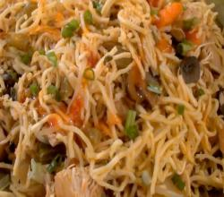 How to Make Chicken Chow Mein in the Crockpot or Slow Cooker