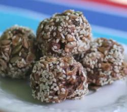 Chocolate Granola Bites with Hazelnuts