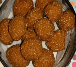 Churma Laddu (Wheat flour laddu)
