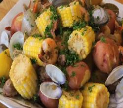 Clam and Shrimp Boil