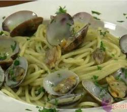 Clams in Spaghetti