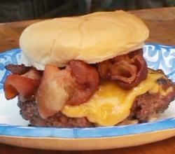 Classic Bacon Cheeseburger