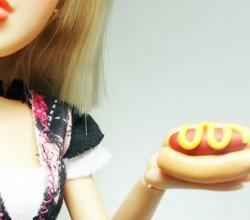 How to make a polymer clay hot dog