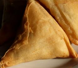 Cocktail Paneer Samosa