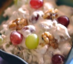 Creamy Grape And Walnut Salad