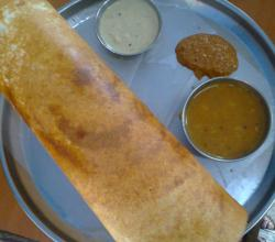 Homemade Crispy Flour Dosa With Chutney