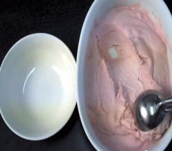 Easy Strawberry Rhubarb Ice Cream (No Machine/Eggs)
