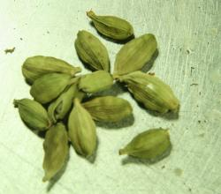 Cardamom Powder – Usage & Health Benefits