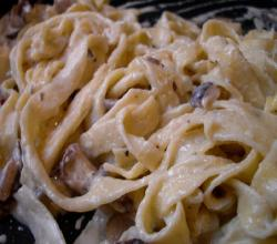 Fettuccine with Mushrooms and Clams